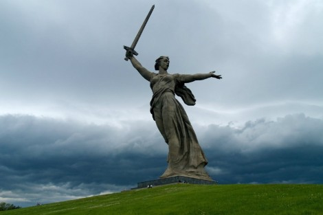 what-to-see-in-russia-the-motherland-calls-statue-1