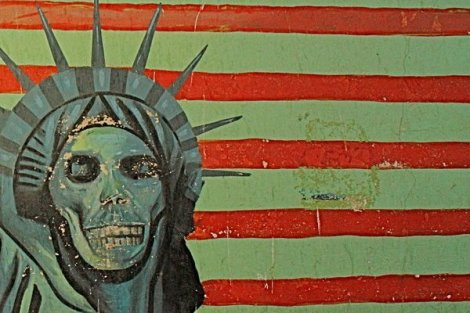 4424999-Evil-Statue-of-Liberty-US-Den-of-Espionage-Tehran-0