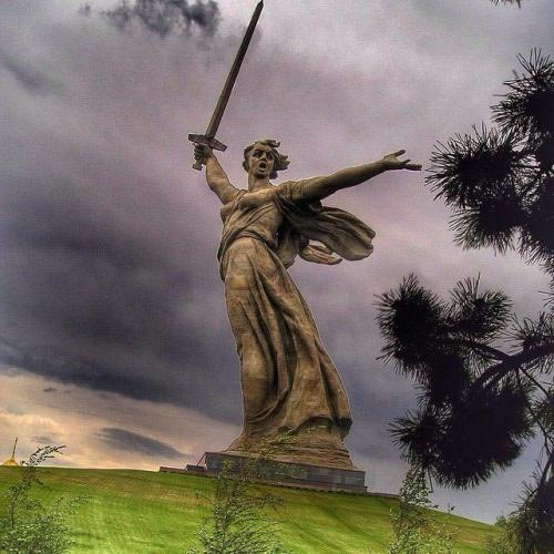 motherland-statue-500x500.jpg