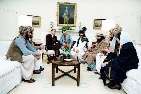 ronald_reagan_meeting_with_the_afghan_mujahideen.jpg
